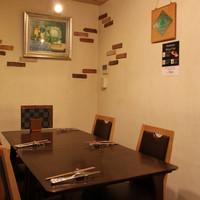 家族会、女子会に!団欒のテーブル席。
