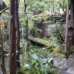 瓢亭 - 庭を眺めているだけで、心が落ち着いてきます(2015/01)