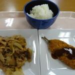東京医科歯科大学生活協同組合 食堂 - 豚肉生姜焼き、ご飯大盛り、いわしフライ