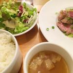 ブラチェリア バーヴァ - とことん豚肩ロースの西京漬け炭火焼き 950円 スープはオニオンコンソメ
