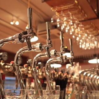 クラフトビールが常時10種+ハウス生ビール3種!