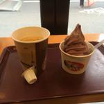 34788776 - チョコソフトクリームとブレンドコーヒー