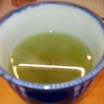 魚亭いいざか - 緑茶サービス♪香り豊かで癒されます(〃▽〃)♡