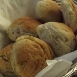 Groult - 【パスタランチ】パン(2人分)
