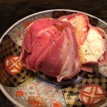 34796389 - 苺とマスカルポーネムースの生ハム茶巾