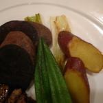 ビストロ クール - 紫芋やサツマイモが添えてあります