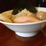 麺屋 御神本 - 浅めな丼ぶり