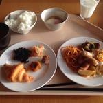熱海シーサイド・スパ&リゾート - 朝食はブッフェ。和食が美味しい(^∇^)
