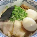 春光亭 - 汁そば700円+煮玉子2個200円。