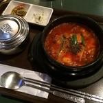 百済kudara - スンドゥブチゲ(牛肉入り)  辛くて熱々で美味しかった  (*´ڡ`●)  とても身体があったまりました☆