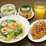 ・海鮮と青菜のあんかけ炒飯 ・油淋鶏