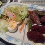 ア.ストラーザ - 牛肉とカキフライ