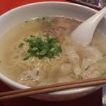 中国料理 ちゅん - ワンタン麺(¥1080)