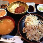 34812367 - 豚肉生姜焼き定食+ご飯抜き+メンチカツを一個トッピング♪