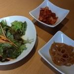 KollaBo - サラダ、レンコン、キムチ