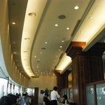 34812980 - 高い天井と、オーバル風カーブがイイ。