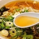 北京飯店 - ラーメン(スープ)