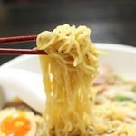 永田台 - ラーメンの麺アップ