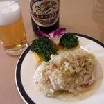 隆蓮 - なんともいい味の白切肥鶏。