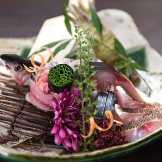 和をベースにした創作料理と美酒を五味五感で味わい下さい。