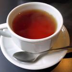 雨林舎 - 紅茶≪hot≫(\486、2014年12月)