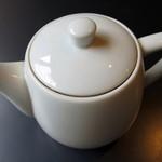 雨林舎 - 紅茶≪hot≫(ポットサービス、2014年12月)