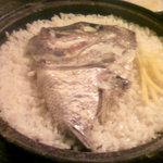 dining IOR?I - モロッコのタジン鍋で炊いた鯛めしはデッカイ御頭が乗ってきた