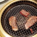 山形牛ステーキ&焼肉 かかし -