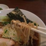 一刀流らーめん - 超煮干醤油ラーメン 750円 太麺 背脂  ラーメン定食(+100円)