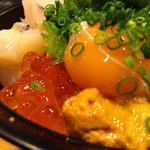 栄寿し総本店 - スタミナ丼アップ