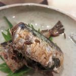 蕎麦切り かんべえ - 鰯の梅煮。                             味濃いめに仕上げられて、お酒が進む逸品。