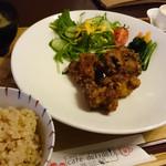 カフェ デリデリ - 肉食系女子定食(塩こうじ唐揚げ)