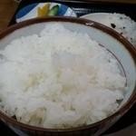 ぼっちり - 白ご飯(中)200円は常識的なボリューム