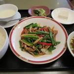 おおくら - 料理写真:豚肉と大蒜の目定食750円