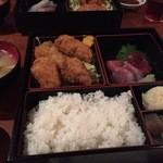 経堂らかん茶屋 - Feb, 2015 カキフライと刺身 950円