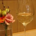 シェ・ヒャクタケ - 本日のグラスはオーストラリアのシャルドネ(700)