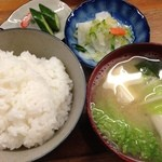 とんかつ 安右衛門 - 定食セット   おまけのお新香 ご飯炊きたて!