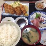 かすみ食堂 - 料理写真:ヒレカツ刺身定食