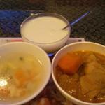 アジアンタワン - スープ、カレー、タピオカミルク