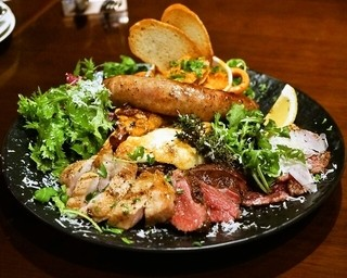 カルネリーナ - 2014.10 温かいお肉の前菜盛り合わせ(3,500円)