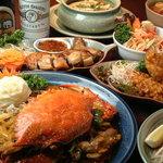アジアティカ - 蟹をまるごと一匹使ったカレーなど、バラエティー豊富