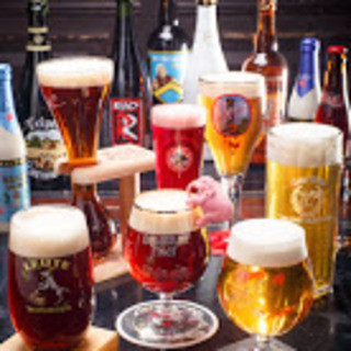 こだわりの直輸入ベルギービールは100種以上!