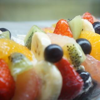 スタイルズケイクス&カンパニー - 料理写真:季節のフレッシュフルーツタルト
