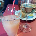 NATURE - グレープフルーツジュースと白ワイン