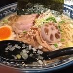 和風楽麺 四代目 ひのでや - ひのでやラーメン 930円