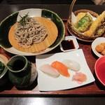 伊都ダイニング - 「もりそば定食」は、天麩羅と寿司が付いてきます。