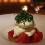 34861815 - フルーツトマトとブッラータのカプレーゼ