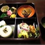 普茶料理 梵 - 鰻を模したお料理が名物だそうです