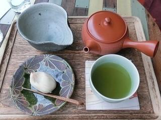 楽風 - 練り切りと新茶