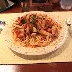 イタリア料理 コラッジオ - 料理写真:若鶏とボルチーニのトマトクリーム(大盛)